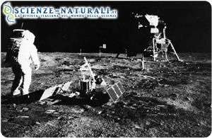 Addio a Neil Armstrong, l'uomo che conquistò il suolo lunare