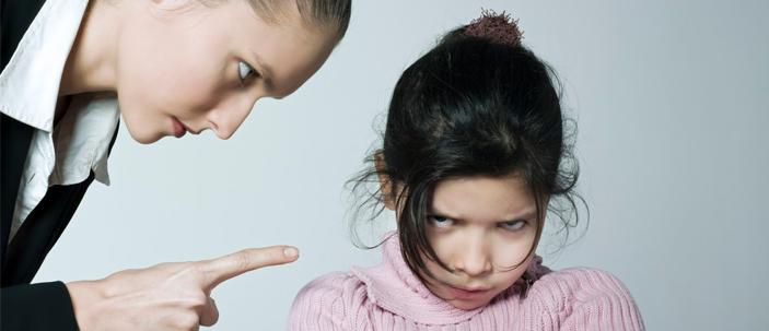 Urlare contro i figli è psicologicamente scorretto